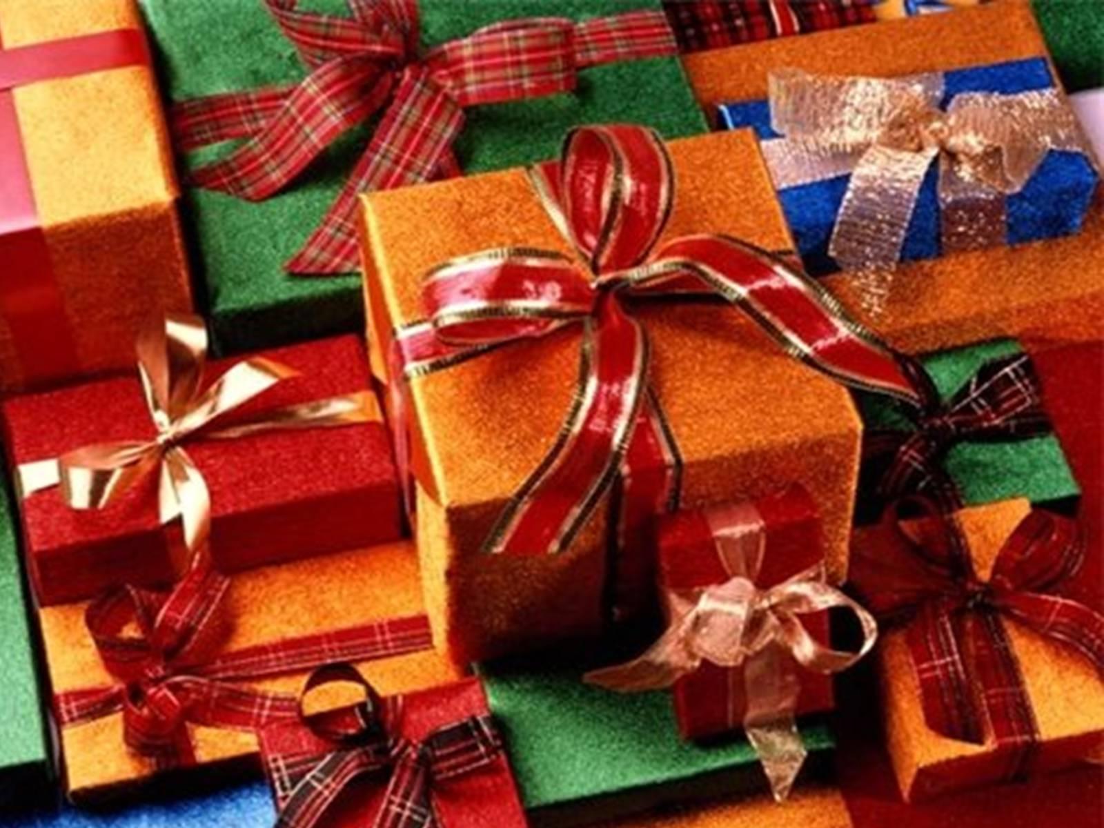Новогодние подарки парню на новый год